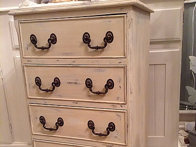 Shabby chic - painted drawers - Lymington New Forest Hampshire