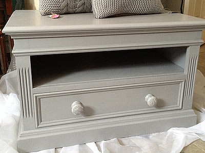 Shabby chic console papers or TV - Lymington New Forest Hampshire